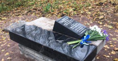 Jaakko Juteinin hautamuistomerkki valmistui Viipurin Ristimäen hautausmaalle, katso videotallenne vanhan hautamuistomerkin löytämisestä ja entisöinnistä!